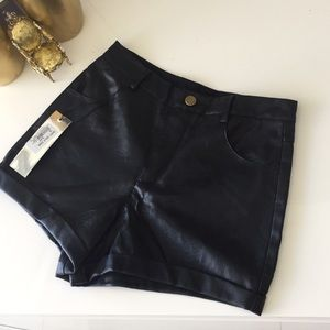 SEXY BLACK FAUX LEATHER SHORTS